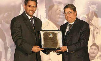 BCCI nominates award for dhoni